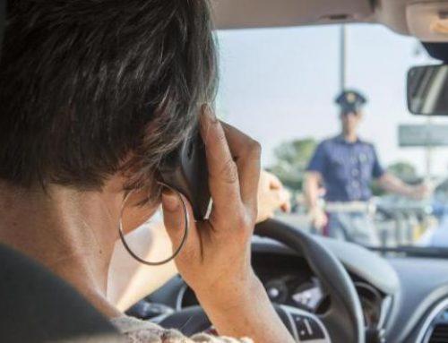 Codice della Strada: novità cellulare e fumo alla guida, limiti autostrada, divieto di sosta, parcheggi rosa