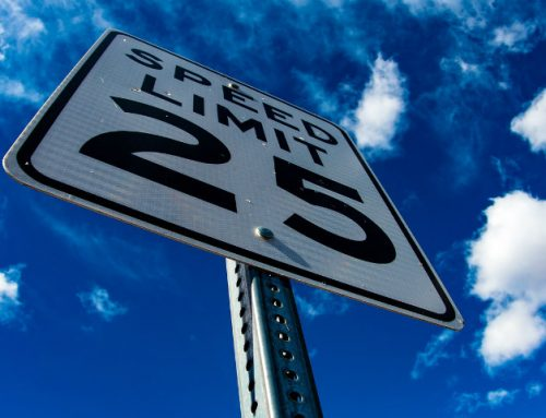 Il limite minimo di velocità: dove e quando si applica e le sanzioni previste