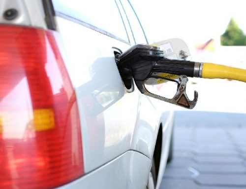 Prezzo della benzina in aumento nel 2018: cosa incide e perché
