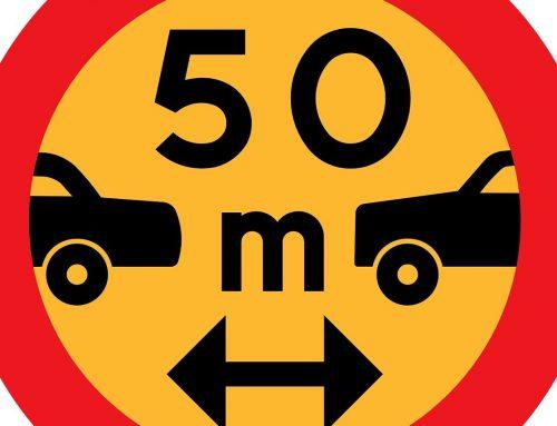 Distanza di sicurezza auto: calcolo, multa, punti patente