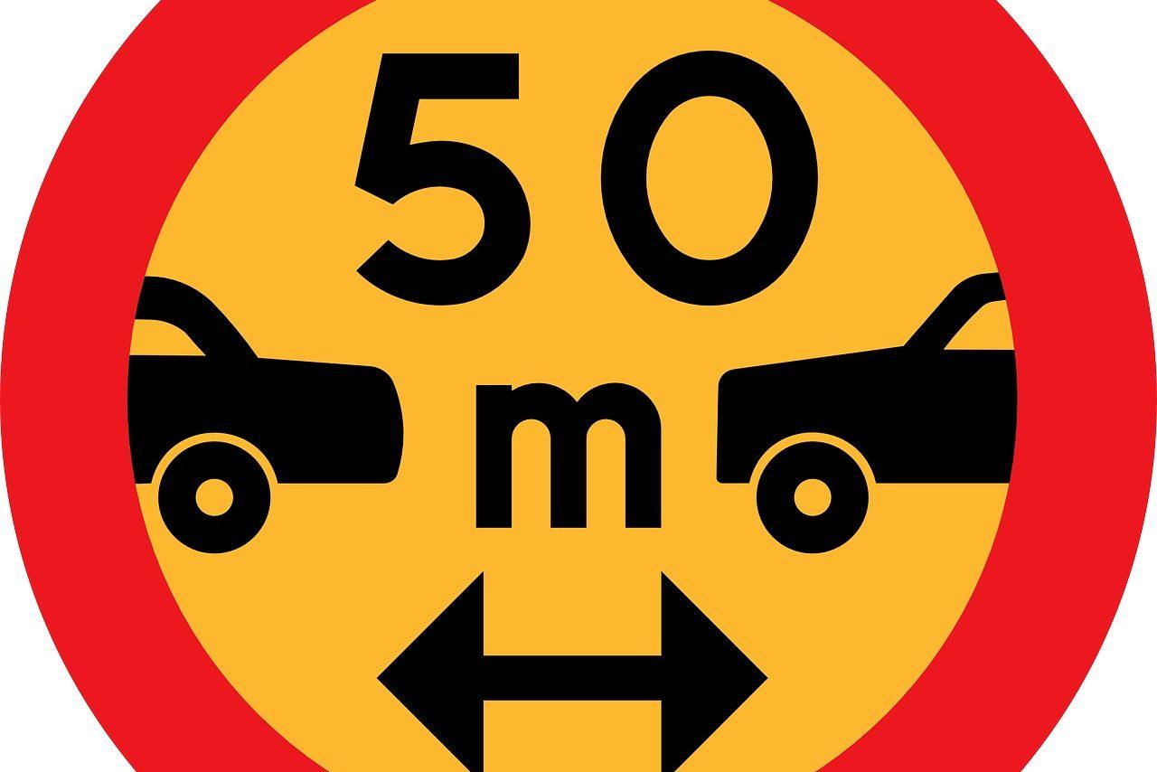 segnale stradale distanza di sicurezza