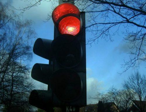 Multa semaforo rosso: va sempre pagata?
